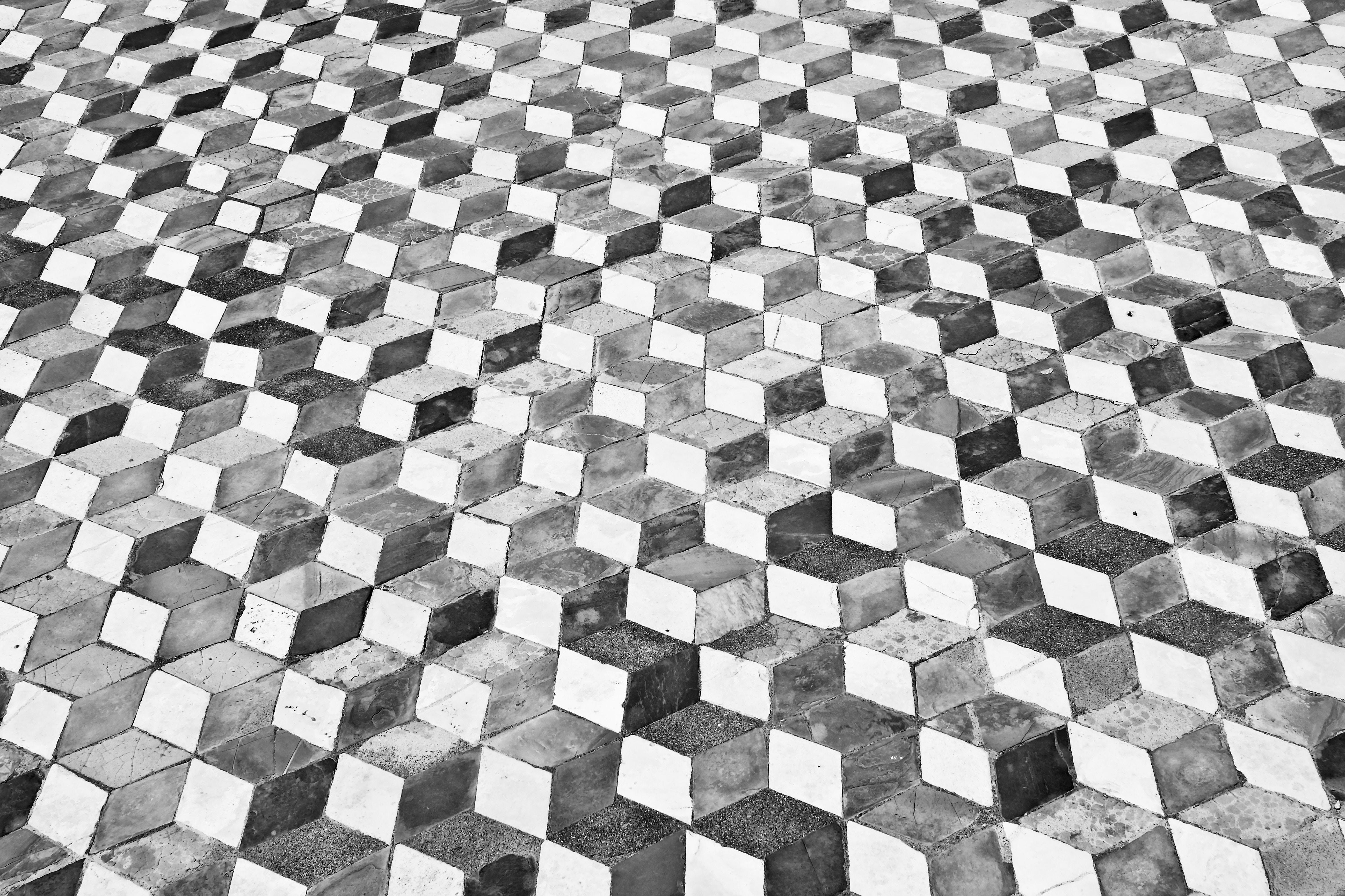 daniele-levis-pelusi-302195-unsplash